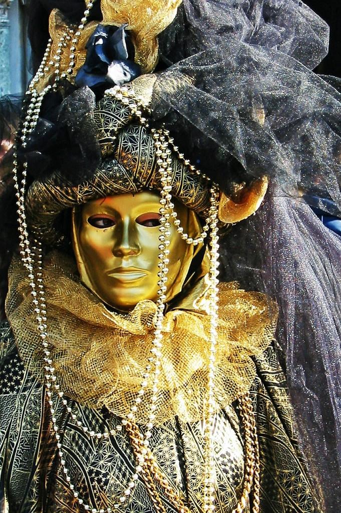 carnival-457697_1280